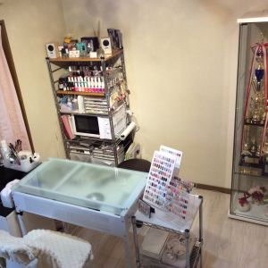 private nail salon Petit maR